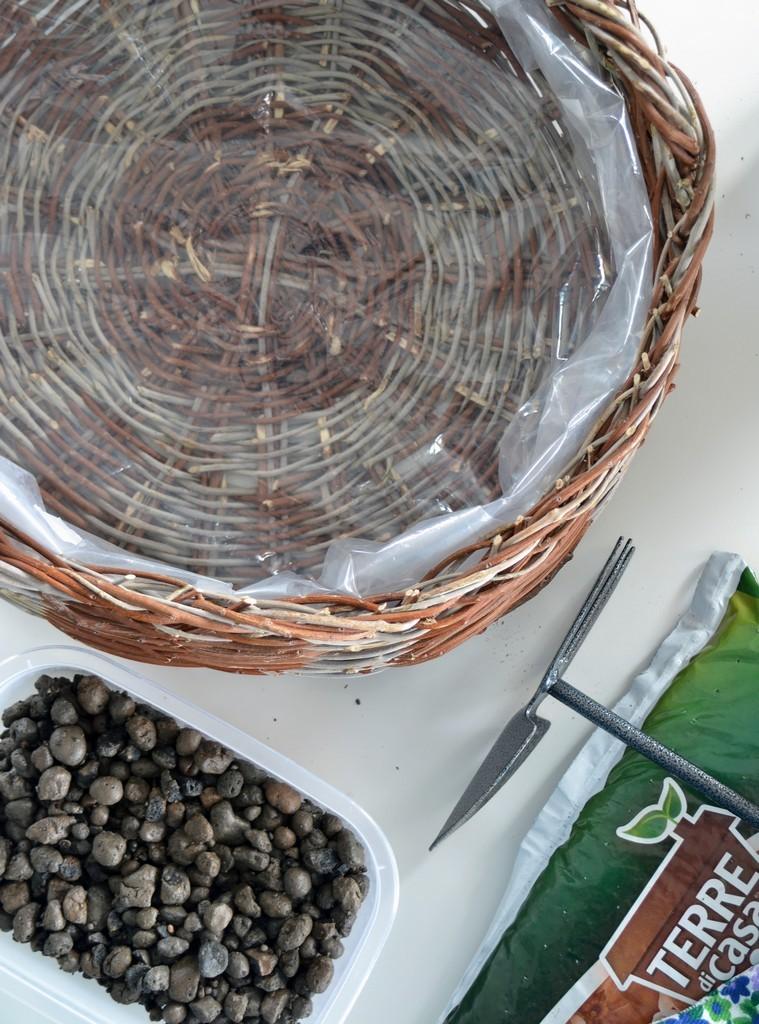 DIY Herb Basket - Plastic